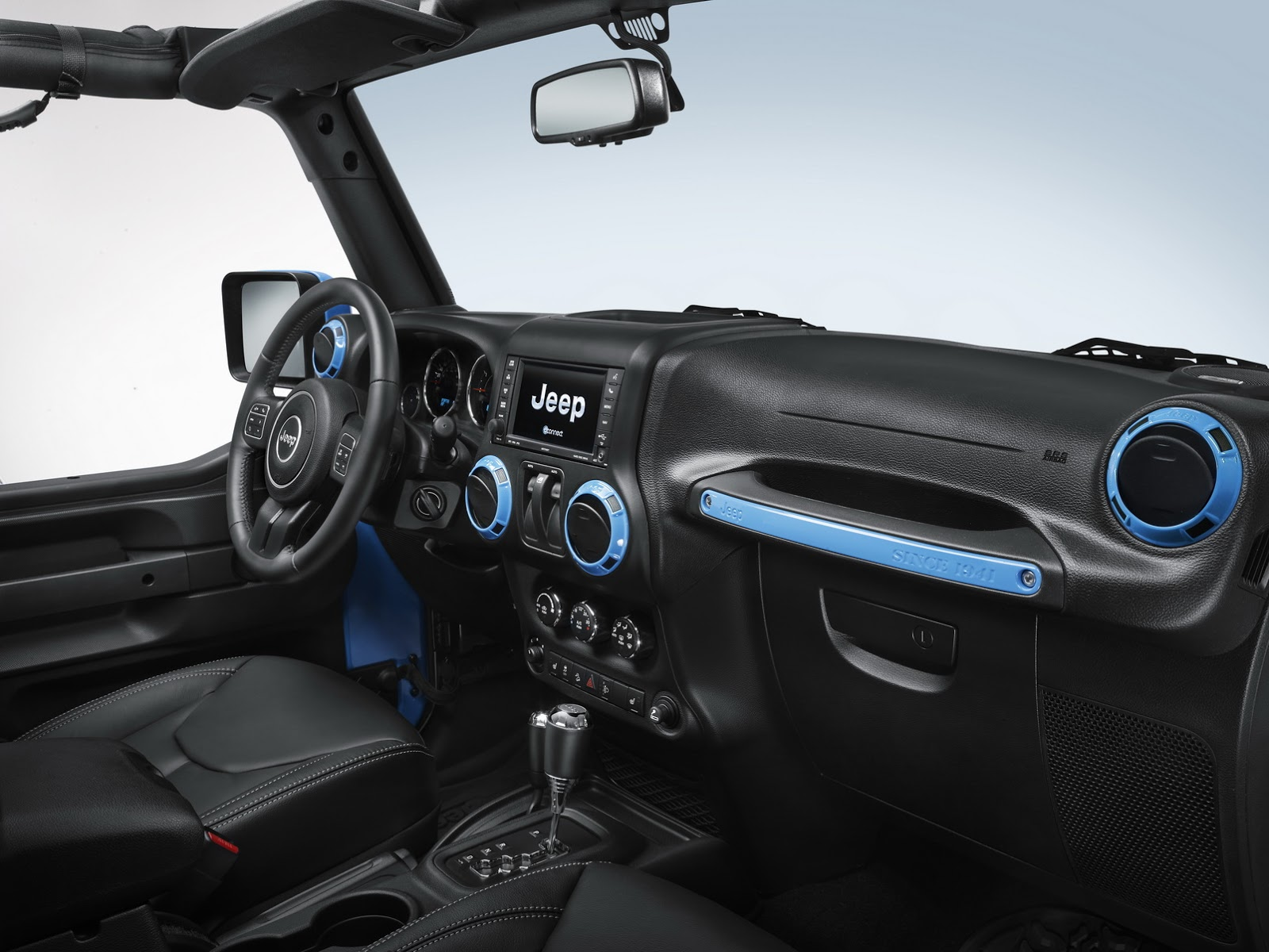 Jeep Wrangler Rubicon With Mopar Accessories Arrives In Geneva Carz Tuning